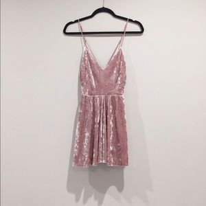 nwt • mauve pink crushed velvet playsuit